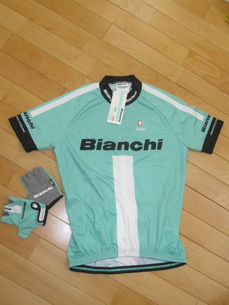 Bianchiジャージ&グローブ.jpg