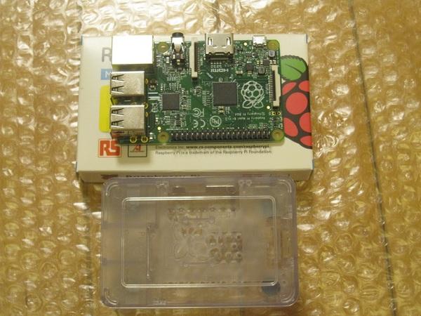 RaspberryPiとケース.jpg